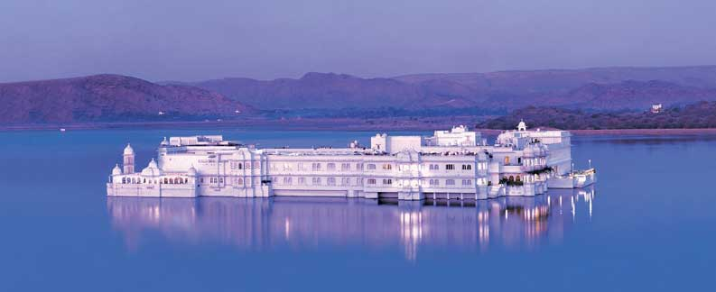 Udaipur city of lakes -Rajasthan Holiday Tours Packages