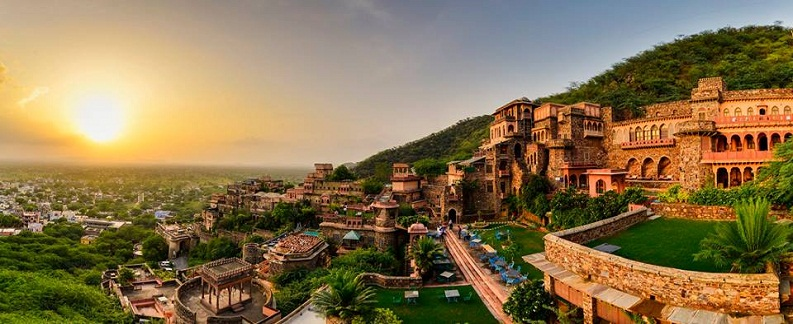 City tour of Neemrana