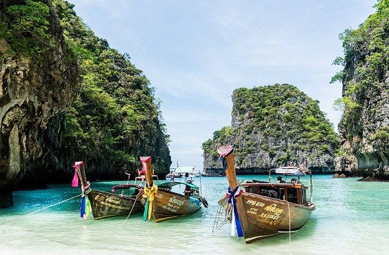 Enjoy the Mud & Beaches in the islands of Thailand